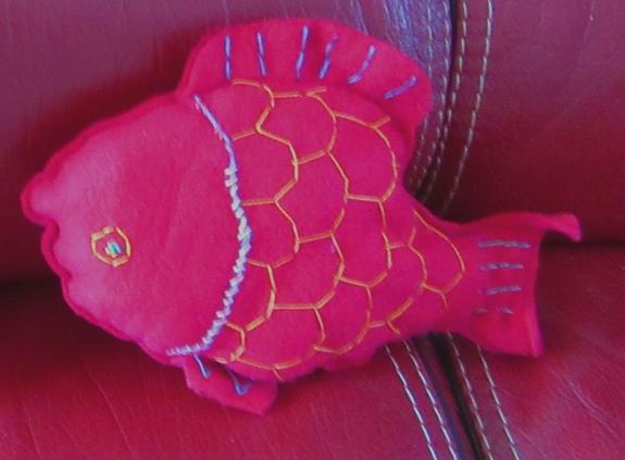 Doudou poisson rouge 1