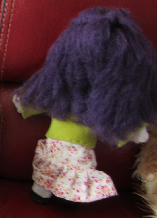Veste verte cheveux violet 2